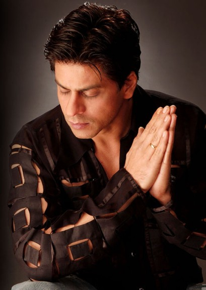 http://badnecklace.files.wordpress.com/2010/01/shahrukh_khan_010.jpg